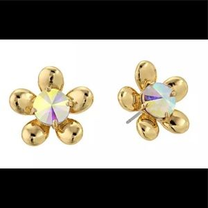 Gorgeous NWOT Kate Spade ♠️ flower 🌸 studs!